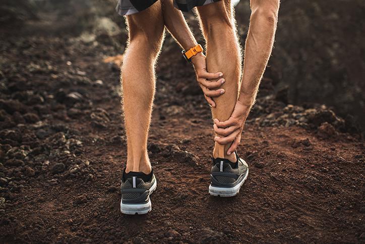 Description et traitement des lésions musculaires au mollet : différencier le soléaire du gastrocnémien.
